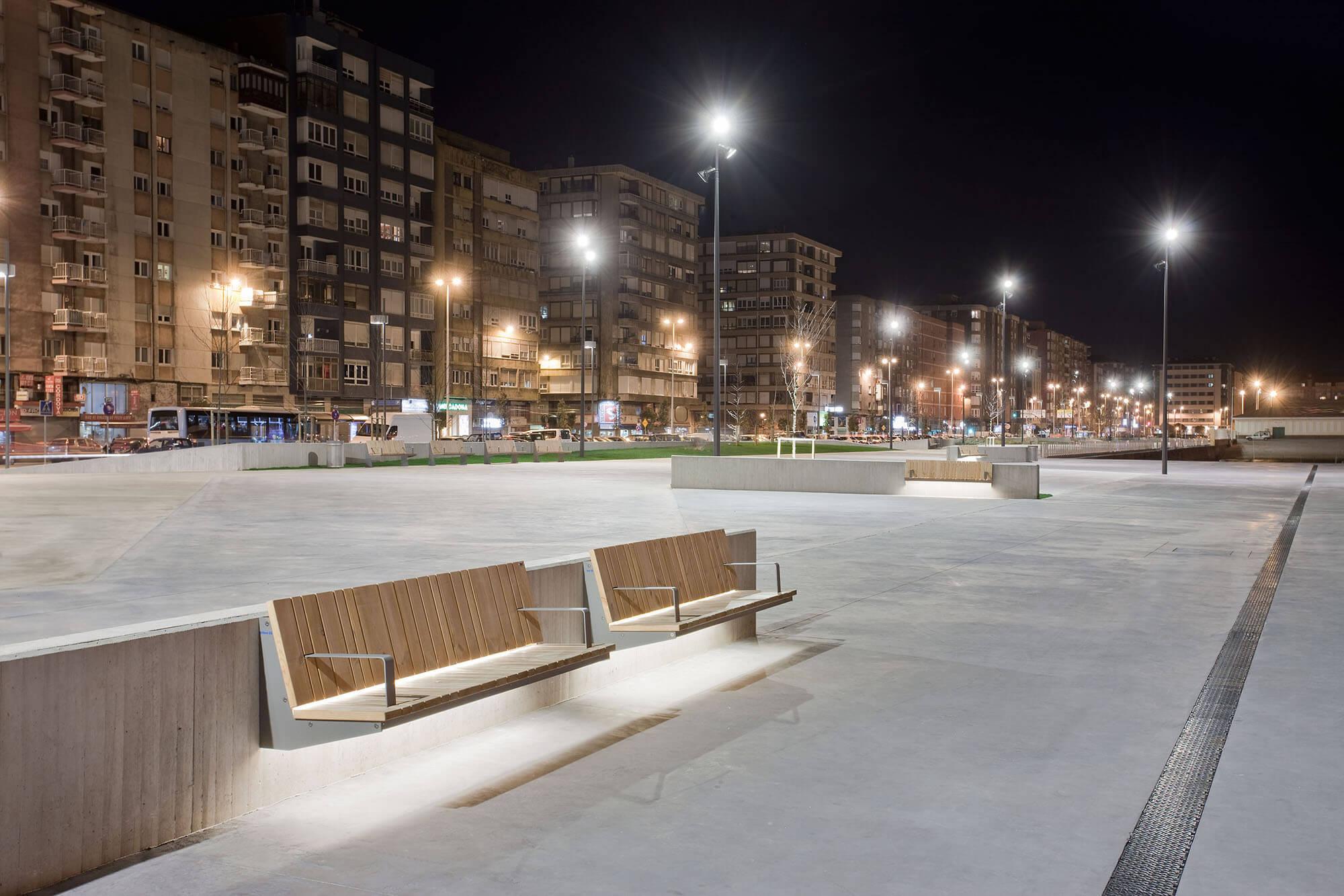 Noche del Paseo marítimo Marqués de la Hermida. Santander