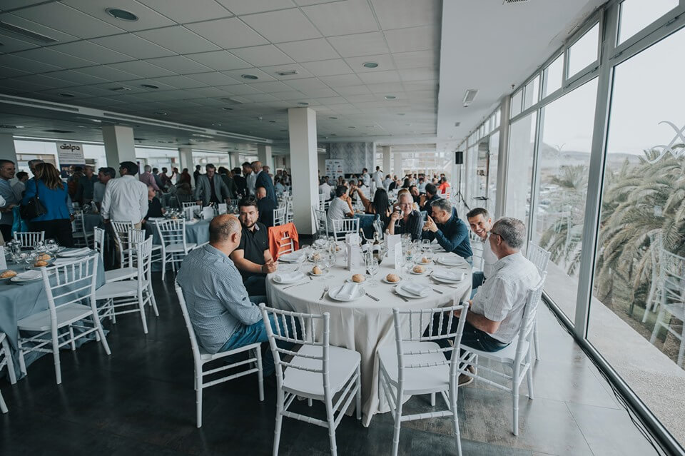Almuerzo con todos los invitados al evento