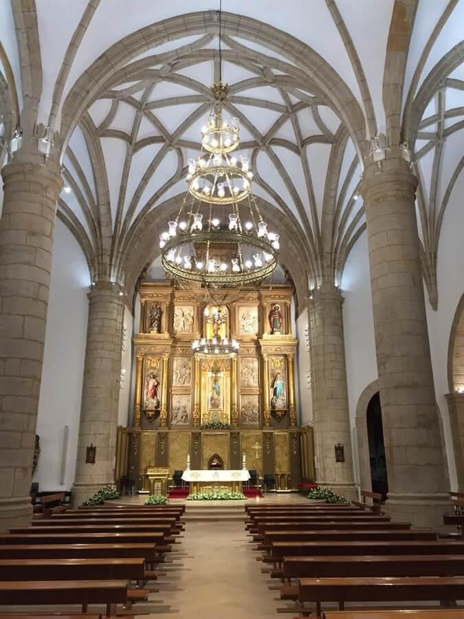 Iluminación Divina y conectada en la Iglesia San Juan Bautista