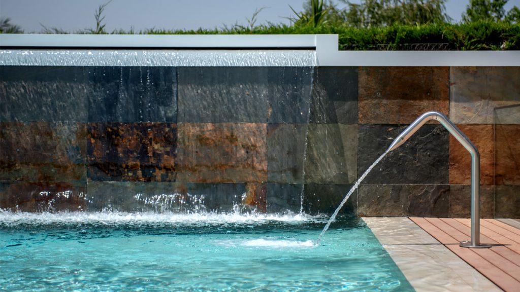 Fuente piscina1