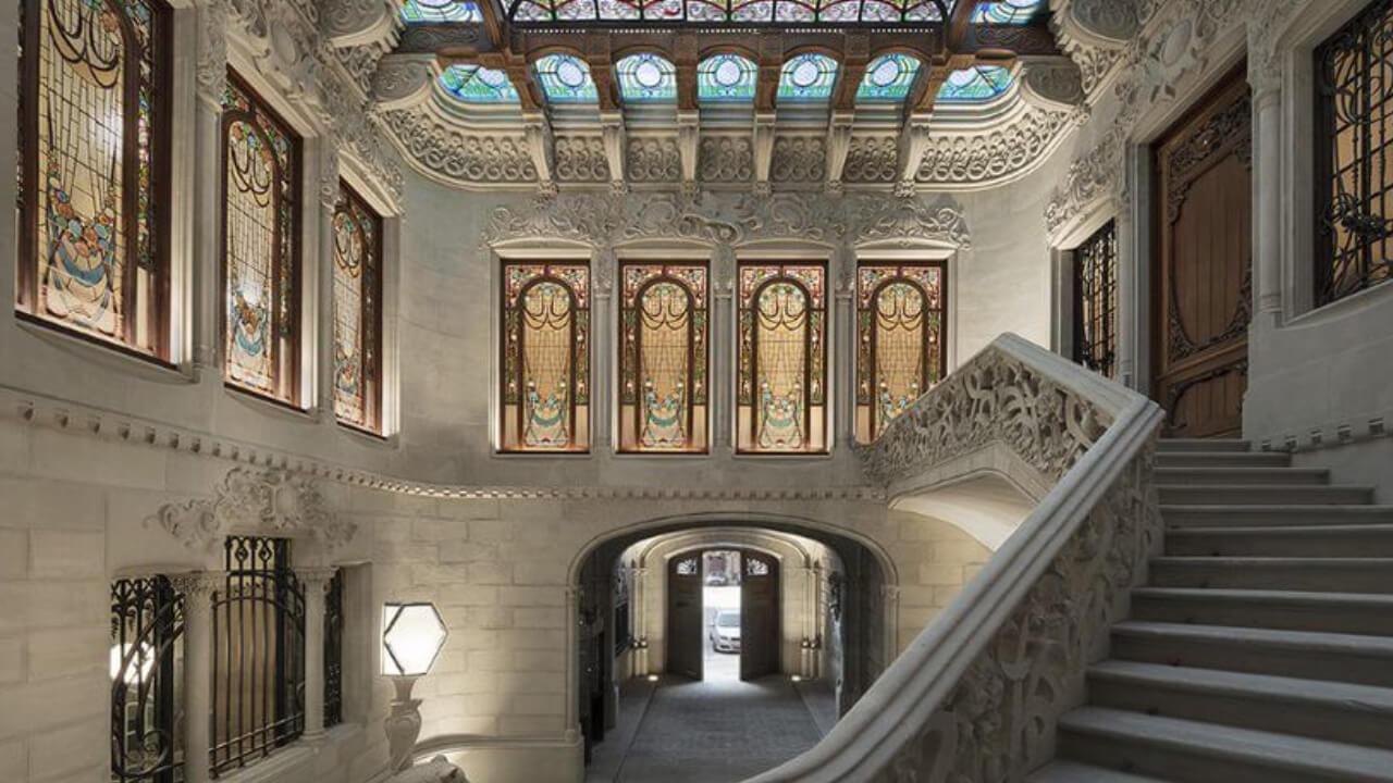Iluminamos el Modernismo de Barcelona. Casa Burés.